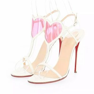 Gorgeous Louboutin Cora heart front sandals 💝💗👠